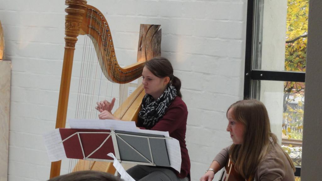 Engelsmusik mit Harfe und Gitarre
