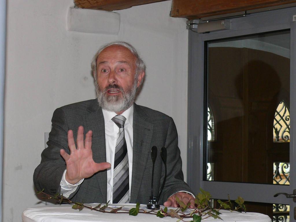 Katholischer Pfarrer Anton Siegel