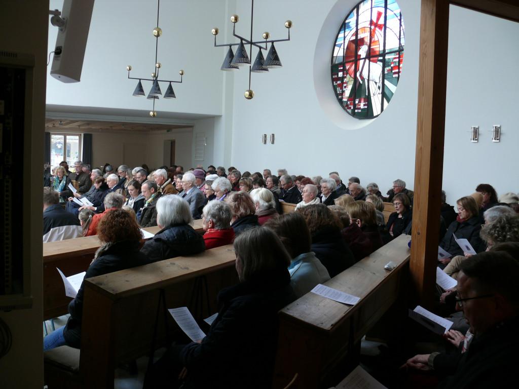 Eine volle Kirche freut alle
